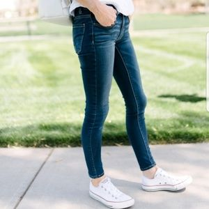 American Eagle skinny fit, size 2.